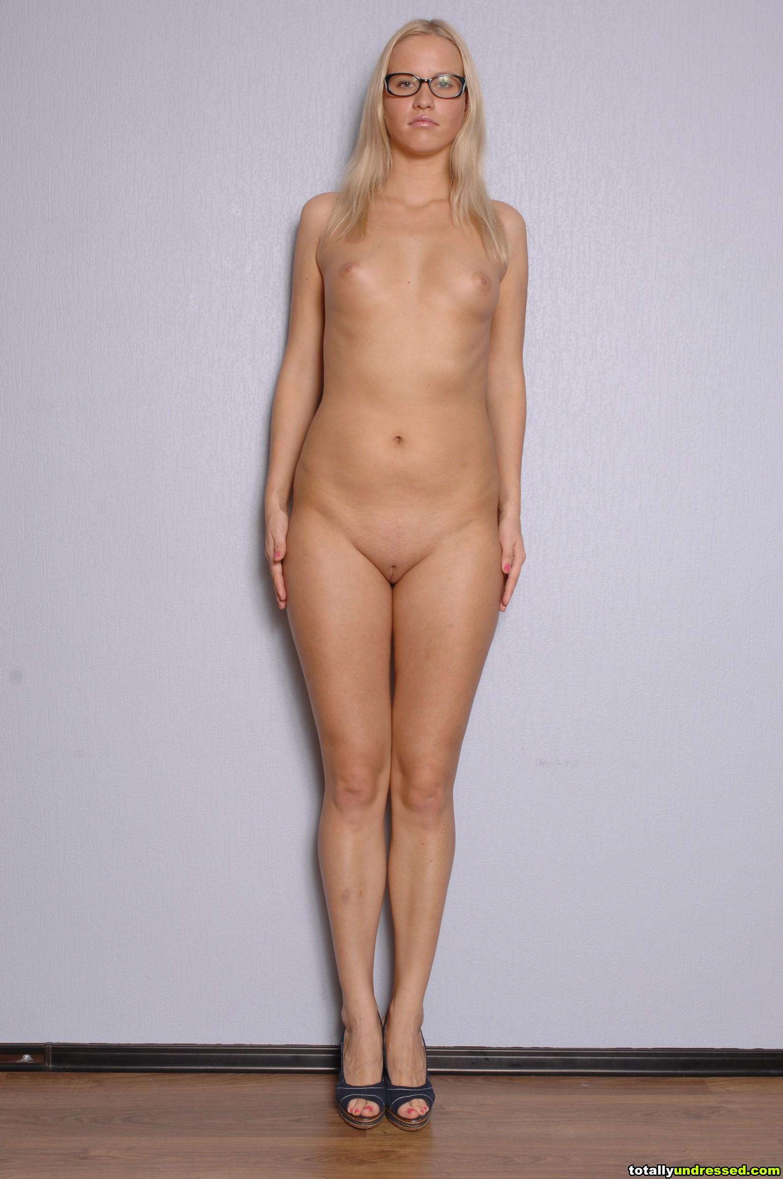 tall sexy amazon womennaked