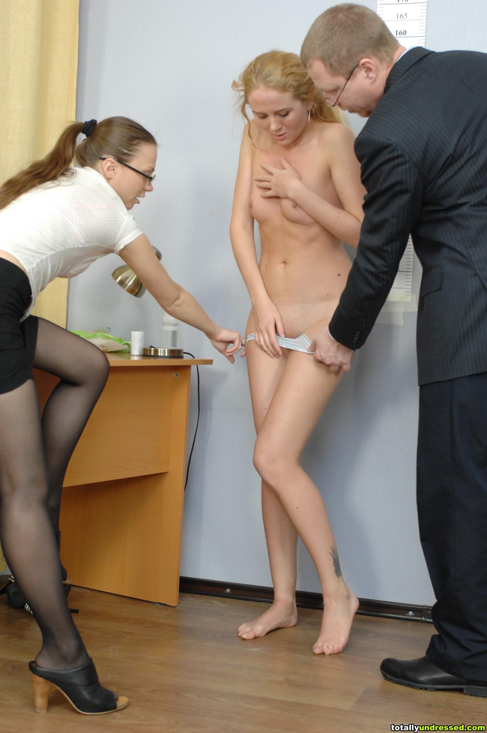 Русское порно с сюжетом подчинение и унижение 5 фотография